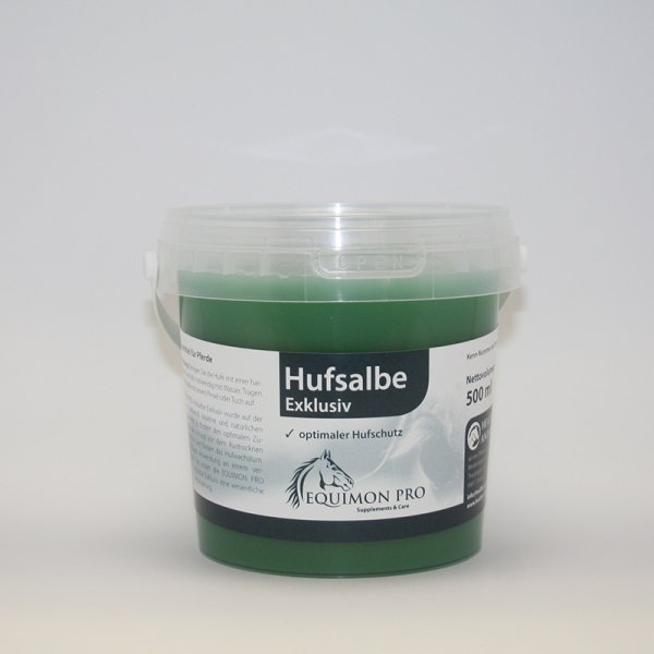 Hoof ointment with laurel oil, Vaseline and other natural oils